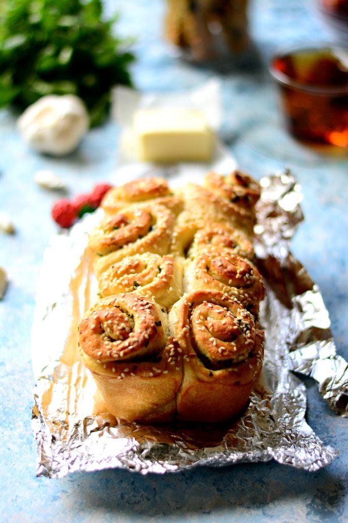 Garlic Pull apart rolls Main