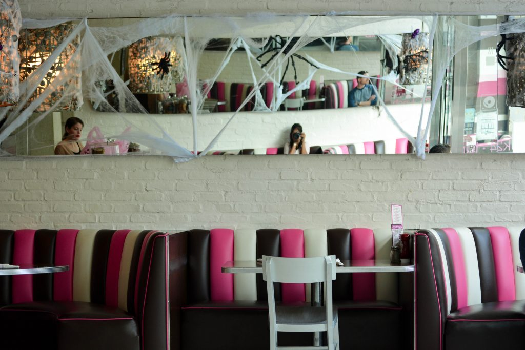 Delicious Eats in the Los Angeles Area - kitchen-24-interiors