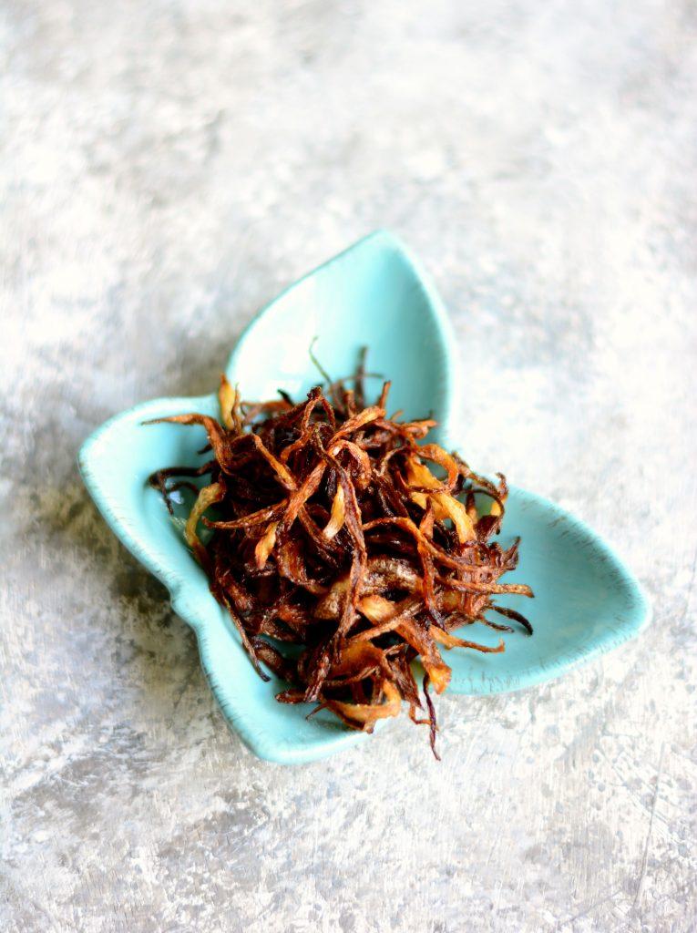 Burmese Green Mango Salad ingredients - Fried onions