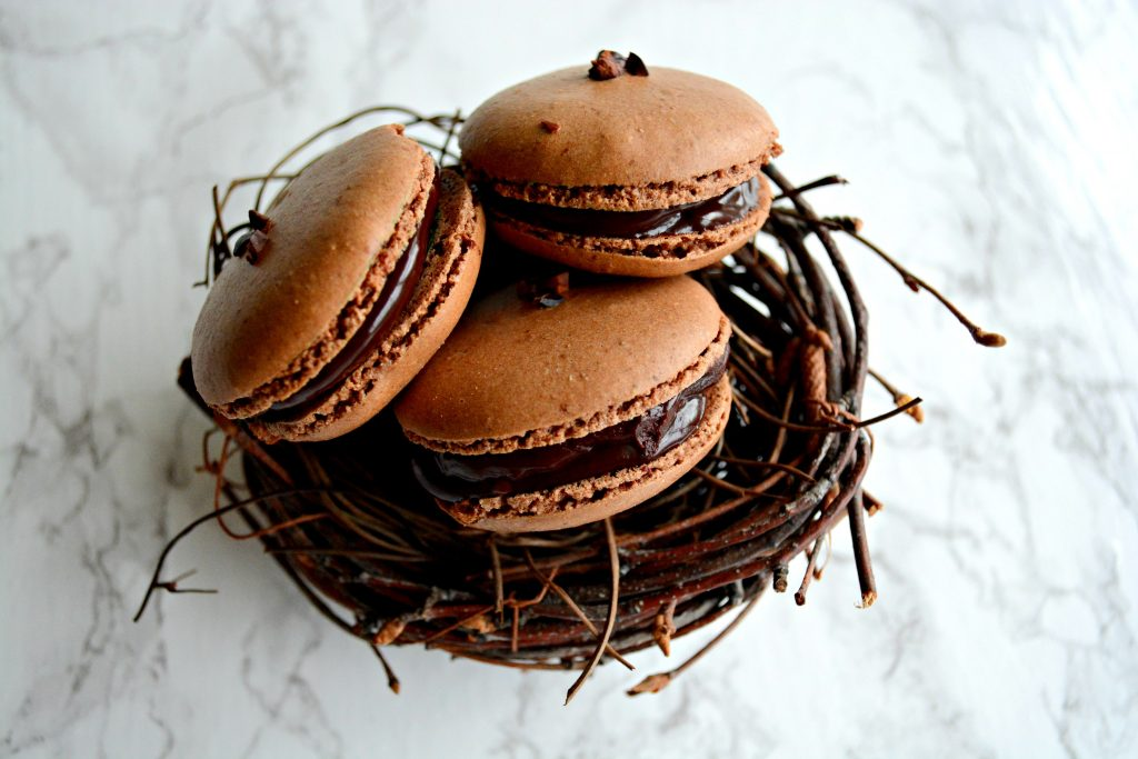 Chocolate_French_Macarons