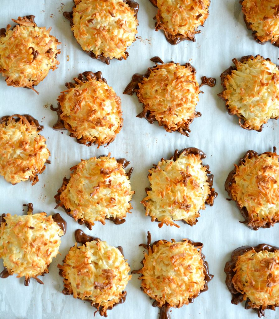 Coconut macaroons with chocolate 1
