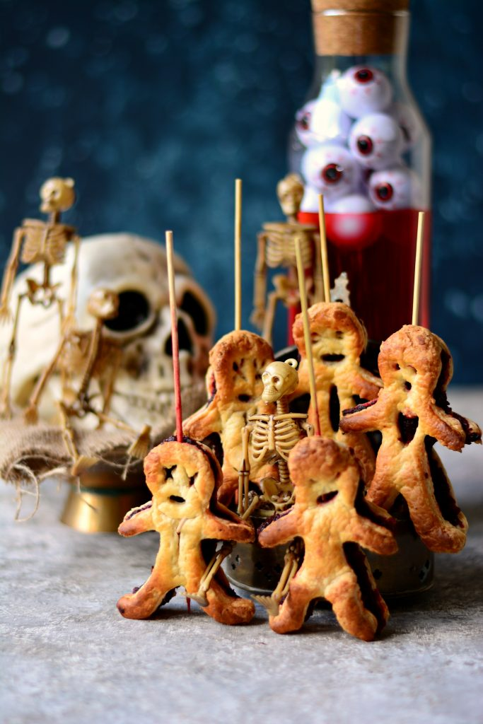 Make these VEGAN Pastry Voodoo Dolls this Halloween for a sweet treat that isn't going to result in a sugar-rush. Healthy too,thanks to Beets!
