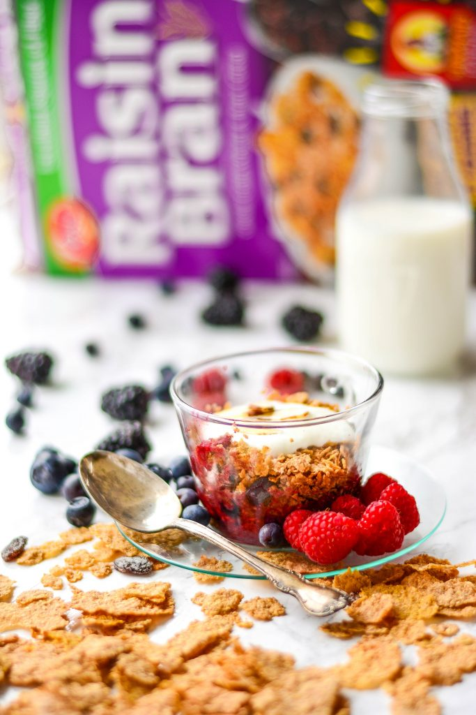 Start your day right with this delicious, healthy 1-minute Very Berry Breakfast Crumble with Raisin Bran, flaxseed, berries and nuts!